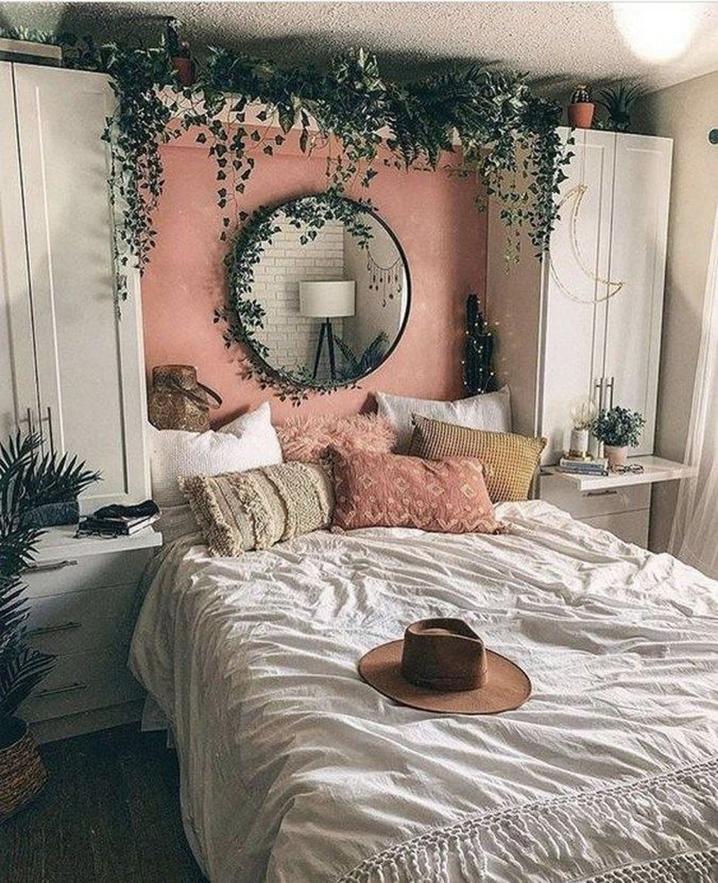Fabulous Small Apartment Bedroom Design Ideas 16