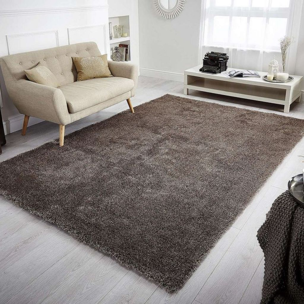 Fascinating Living Room With Carpet Decorating Ideas 11