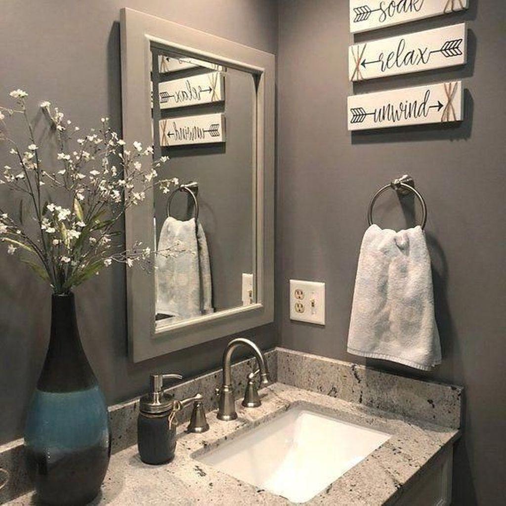 Fascinating Simple Apartment Bathroom Decor Ideas 08