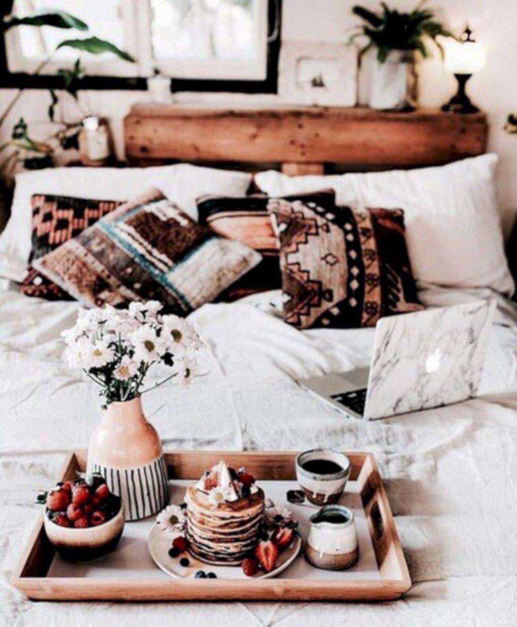 Lovely Boho Chic Bedroom Decor Idea 10