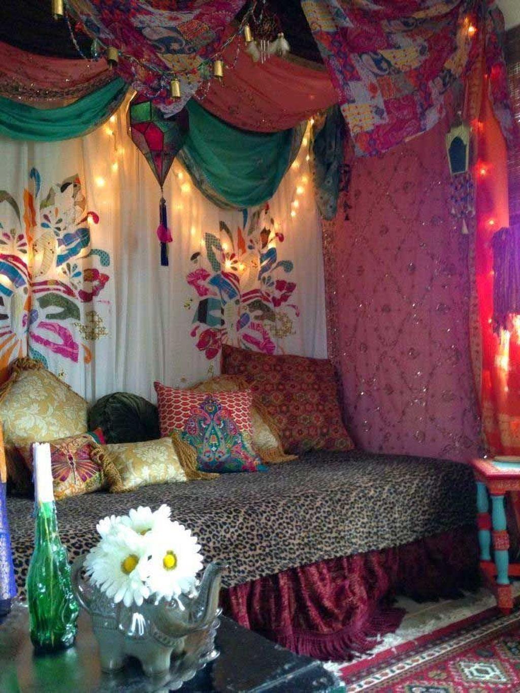 Lovely Boho Chic Bedroom Decor Idea 13