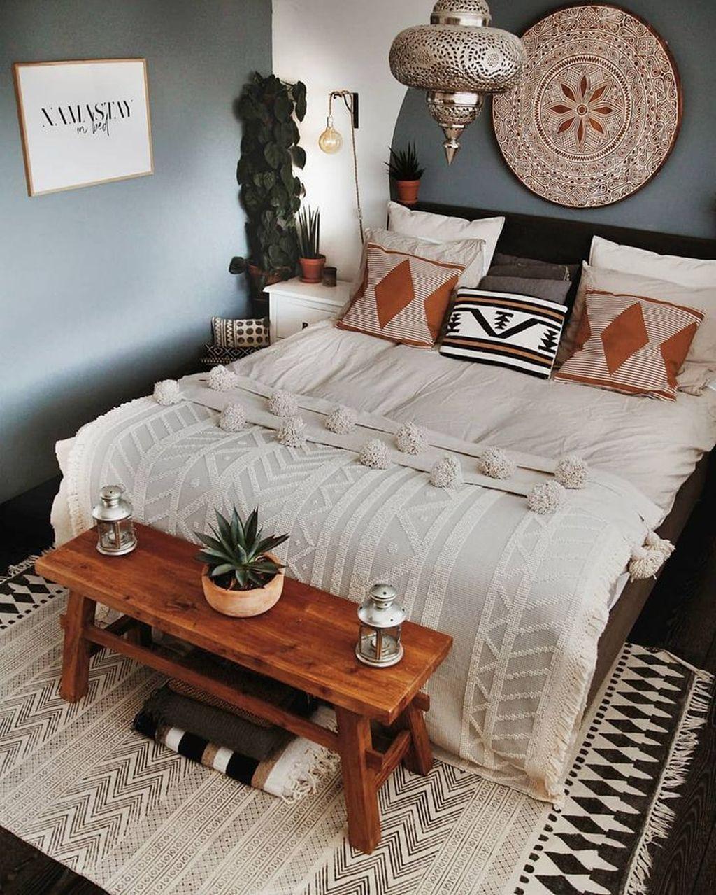 Lovely Boho Chic Bedroom Decor Idea 15