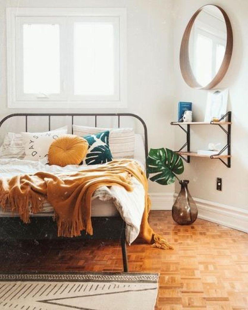 Lovely Boho Chic Bedroom Decor Idea 24