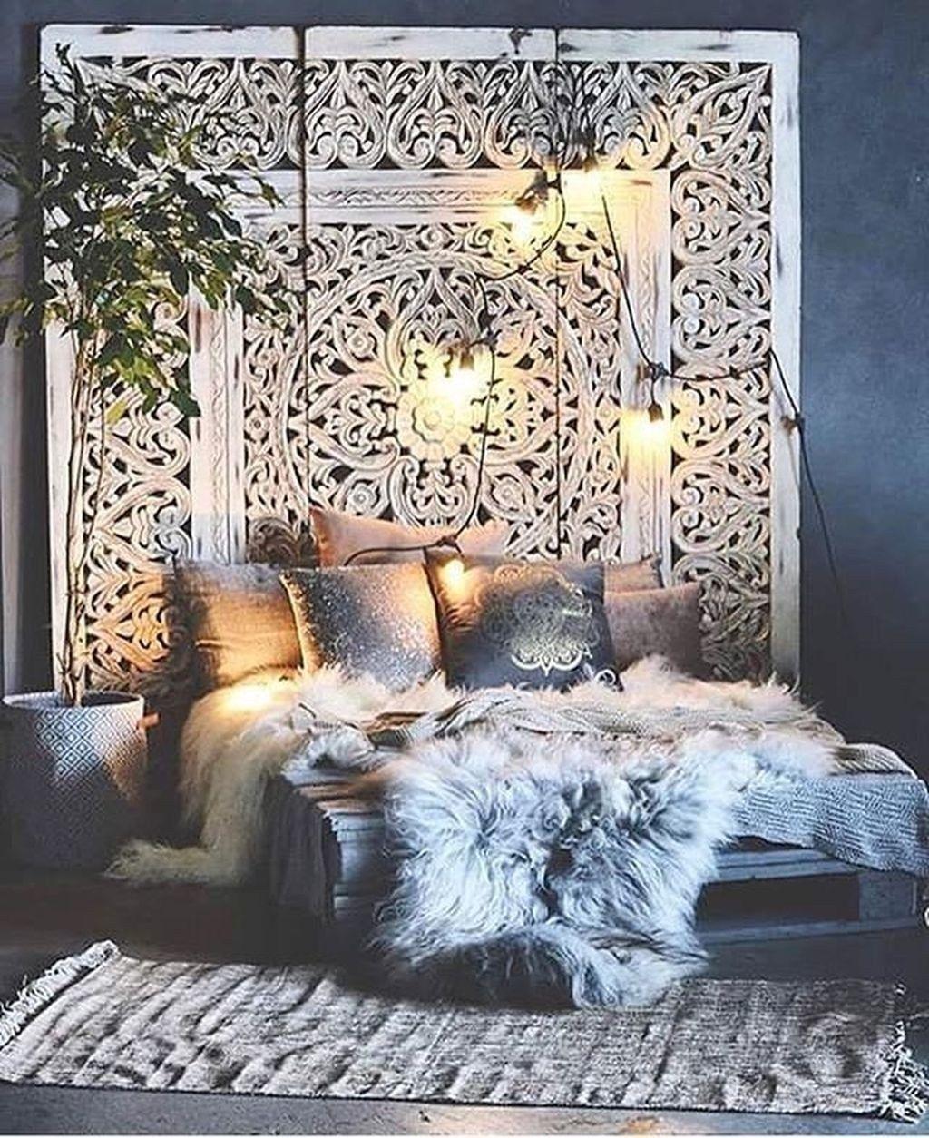 Lovely Boho Chic Bedroom Decor Idea 28
