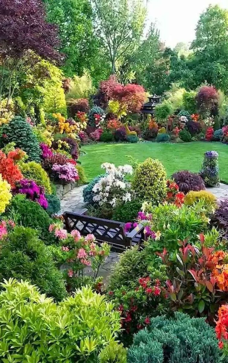 Lovely Flower Garden Design Ideas To Beautify Your Outdoor 24