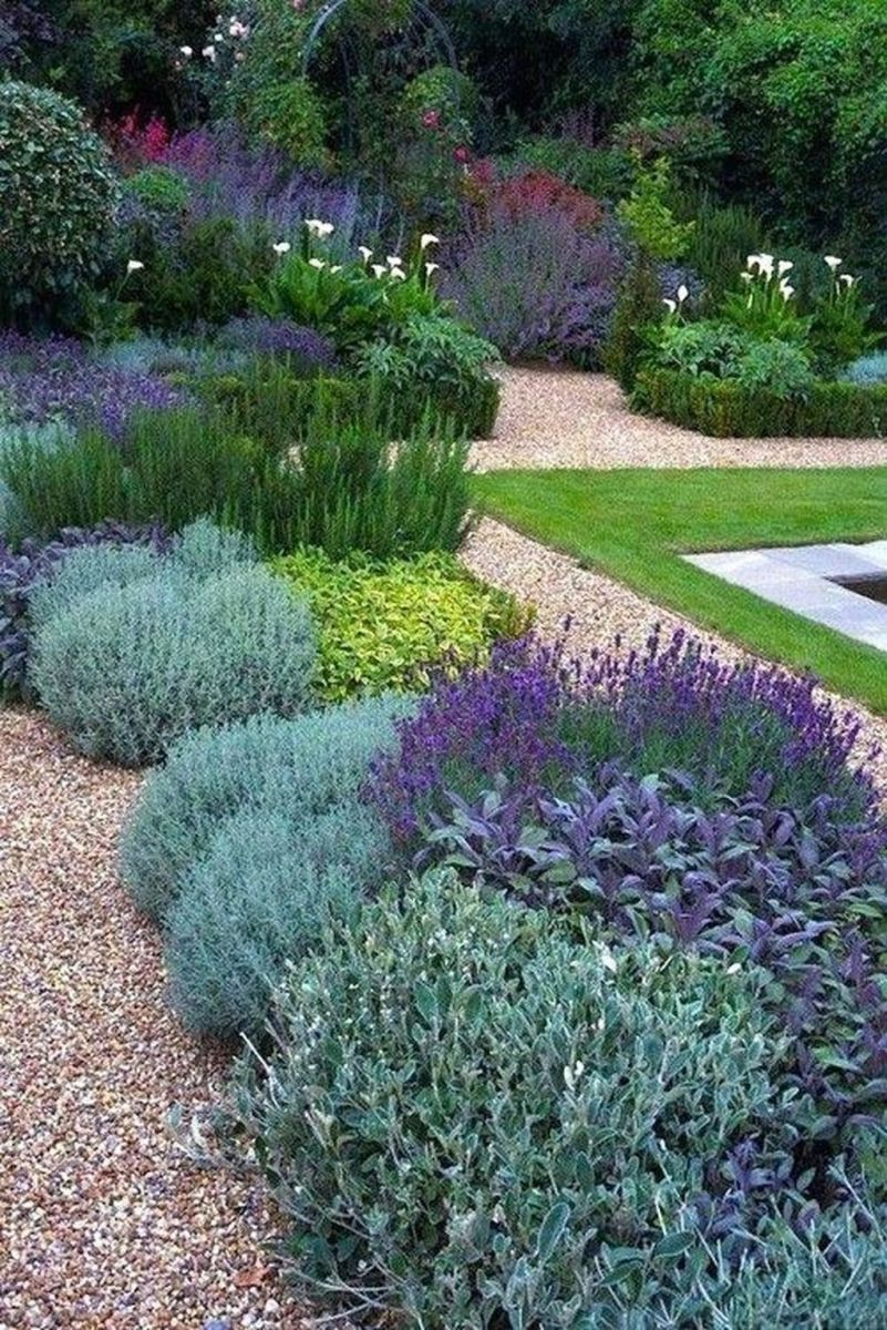 Lovely Flower Garden Design Ideas To Beautify Your Outdoor 32