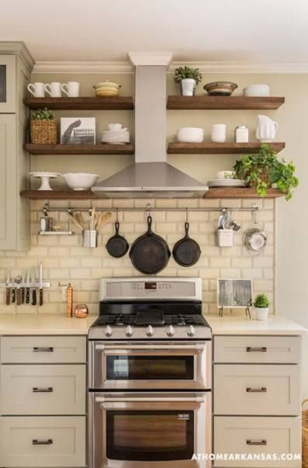 Nice Rustic Farmhouse Kitchen Cabinets Design Ideas 29