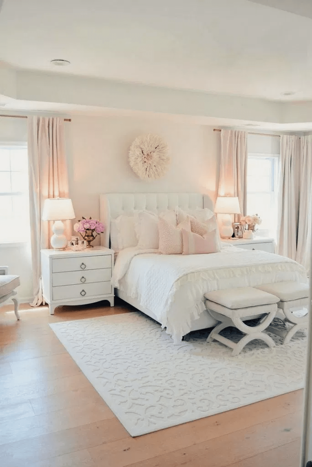 Stunning Romantic Bedroom Decor Ideas You Will Love 25