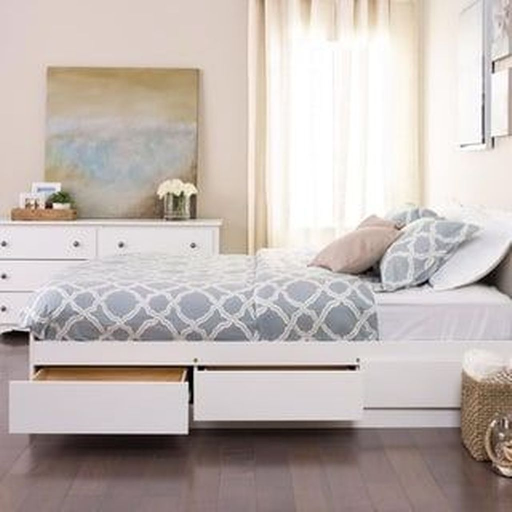 The Best Lake House Bedroom Design And Decor Ideas 12