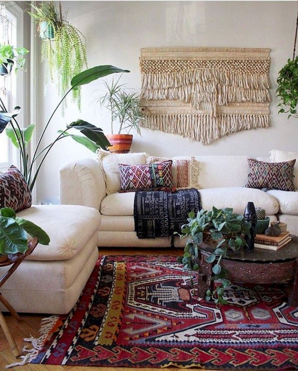 The Best Rustic Bohemian Living Room Decor Ideas 31