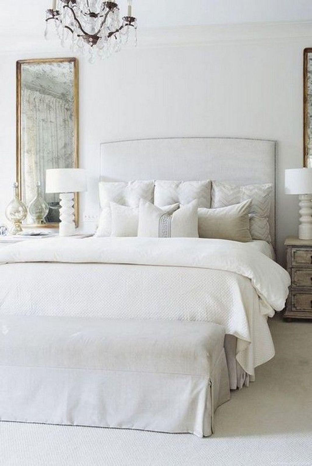 The Best White Master Bedroom Design And Decoration Ideas 23