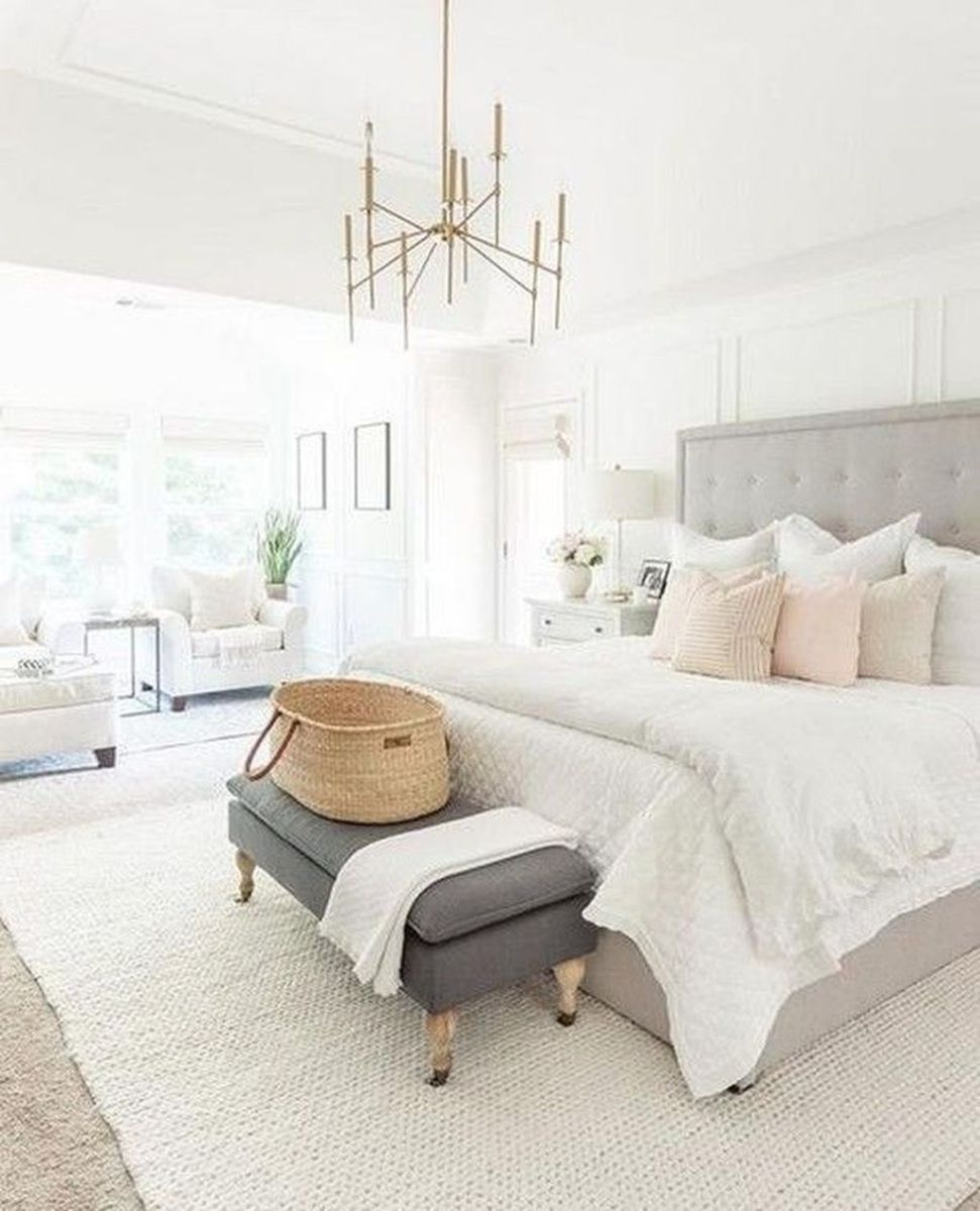 The Best White Master Bedroom Design And Decoration Ideas 31