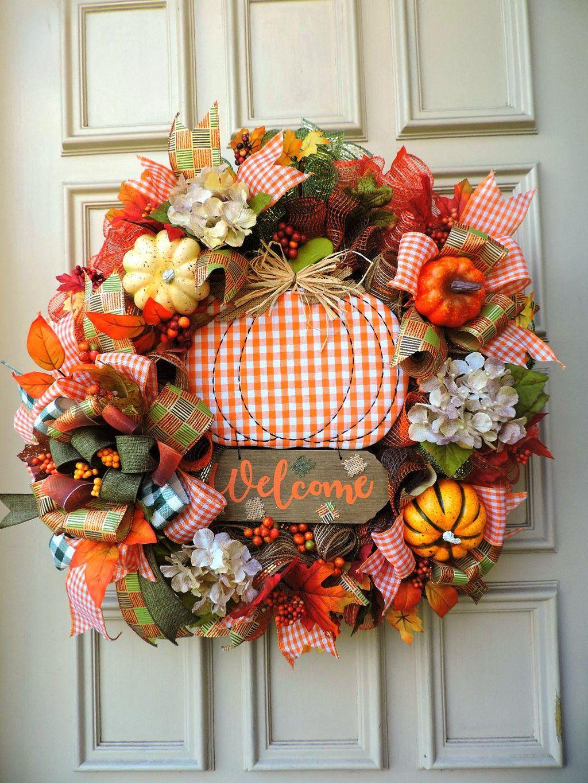 Inspiring Thanksgiving Front Door Decor Ideas 11