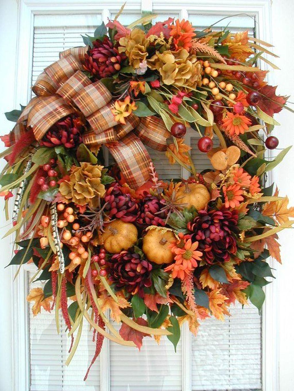 Inspiring Thanksgiving Front Door Decor Ideas 26
