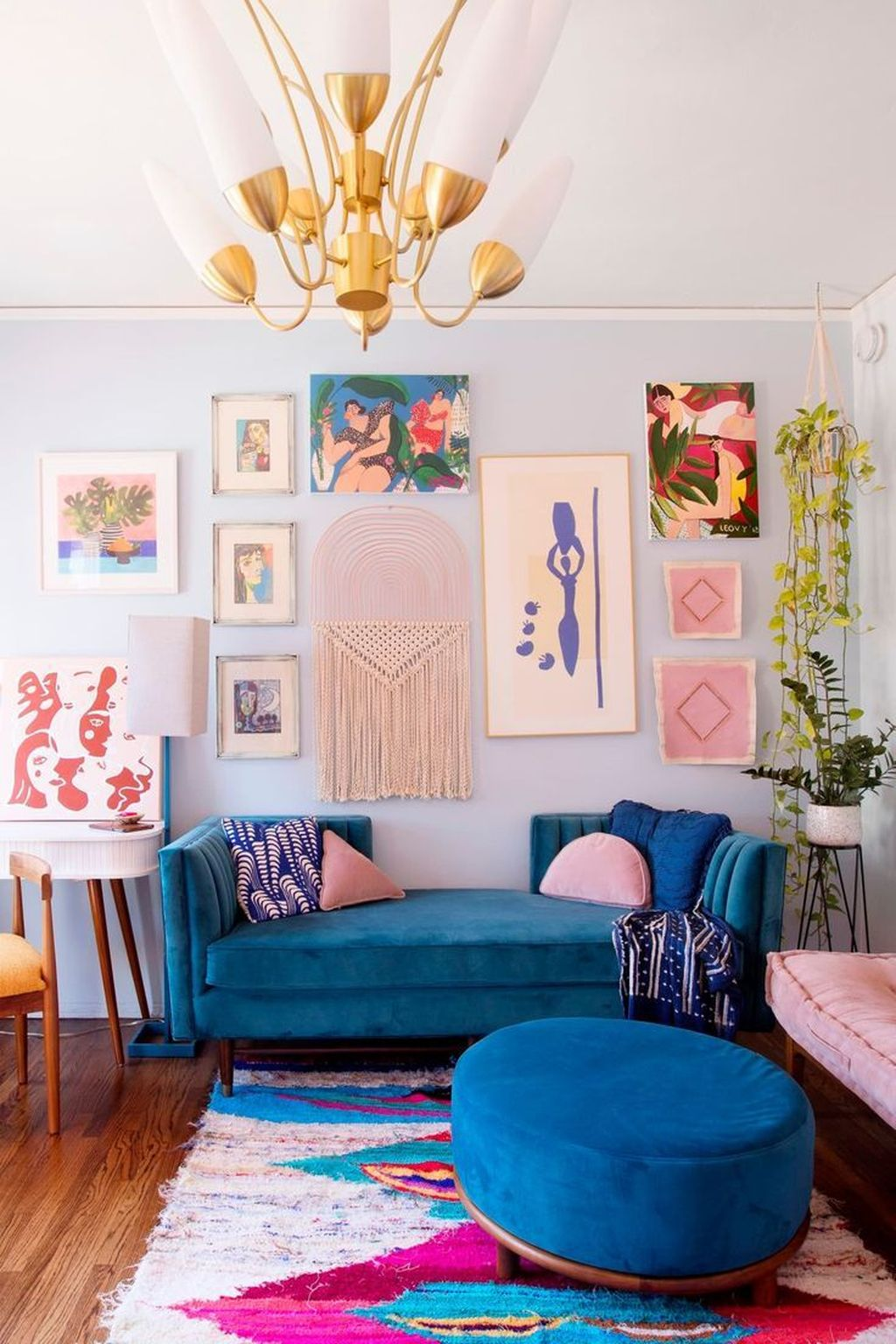 Lovely Colorful Living Room Ideas 17