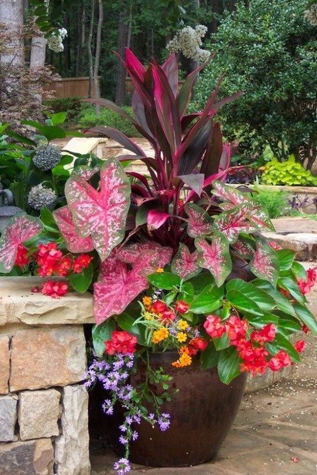 Lovely Combination Planting Container Gardening Ideas 07