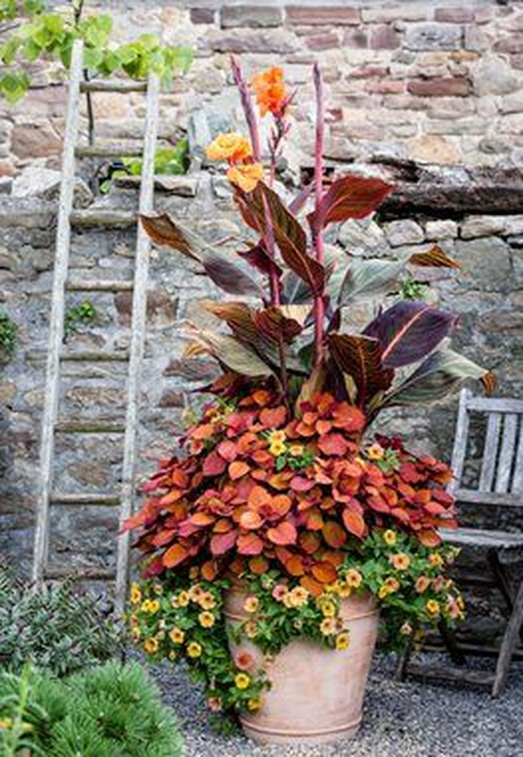 Lovely Combination Planting Container Gardening Ideas 20