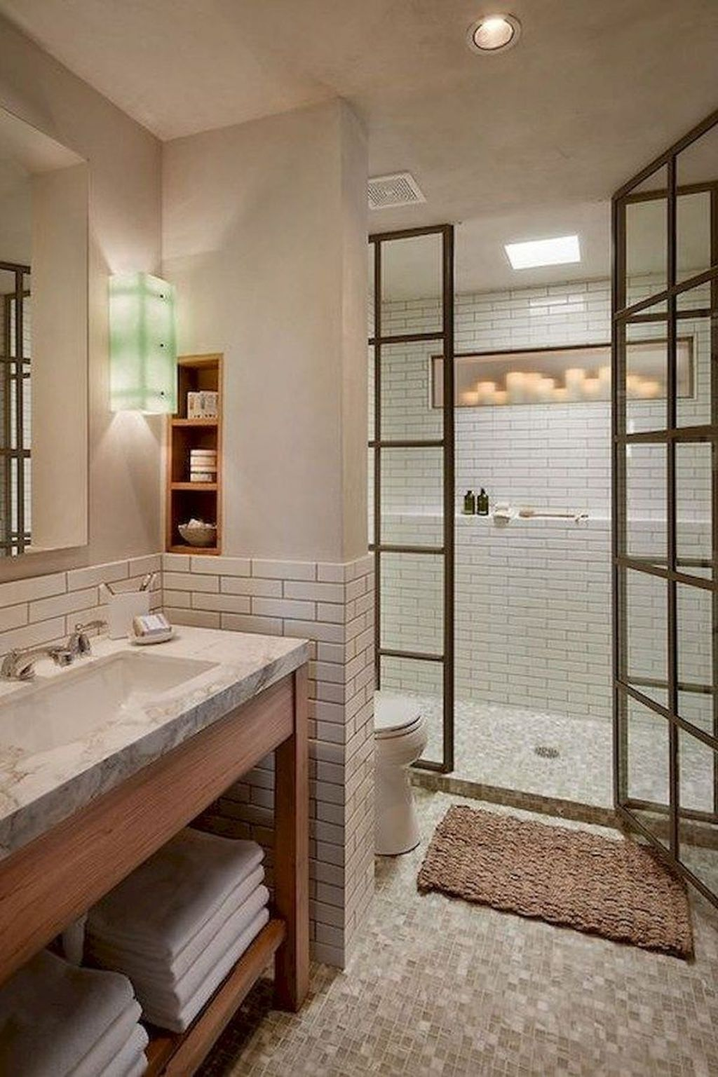 Lovely Relaxing Farmhouse Bathroom Decor Ideas 19