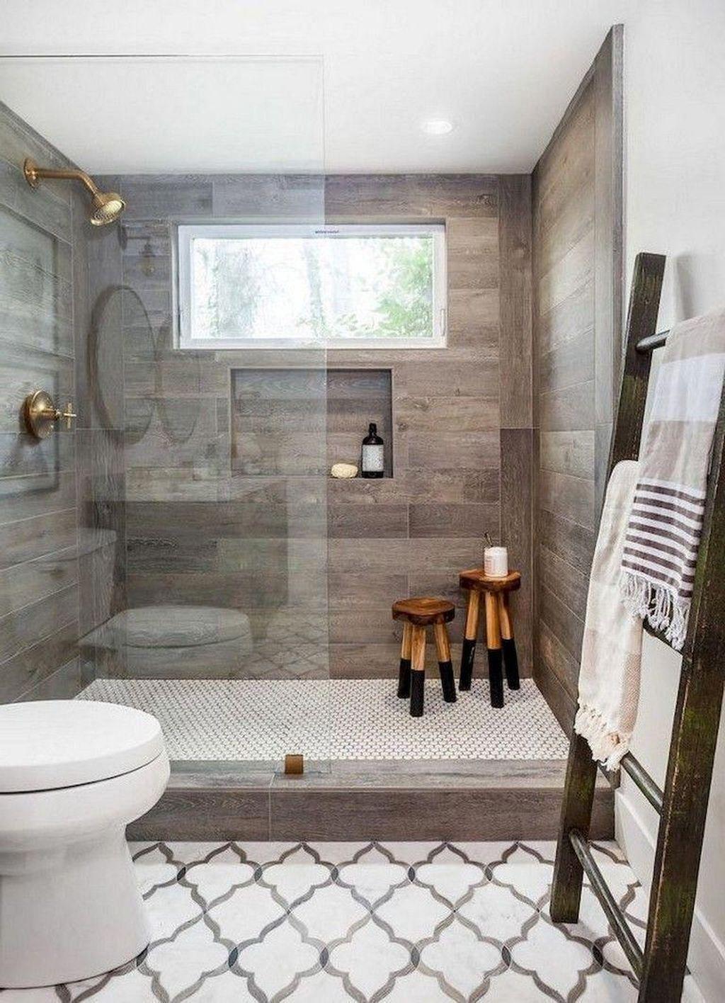 Lovely Relaxing Farmhouse Bathroom Decor Ideas 32