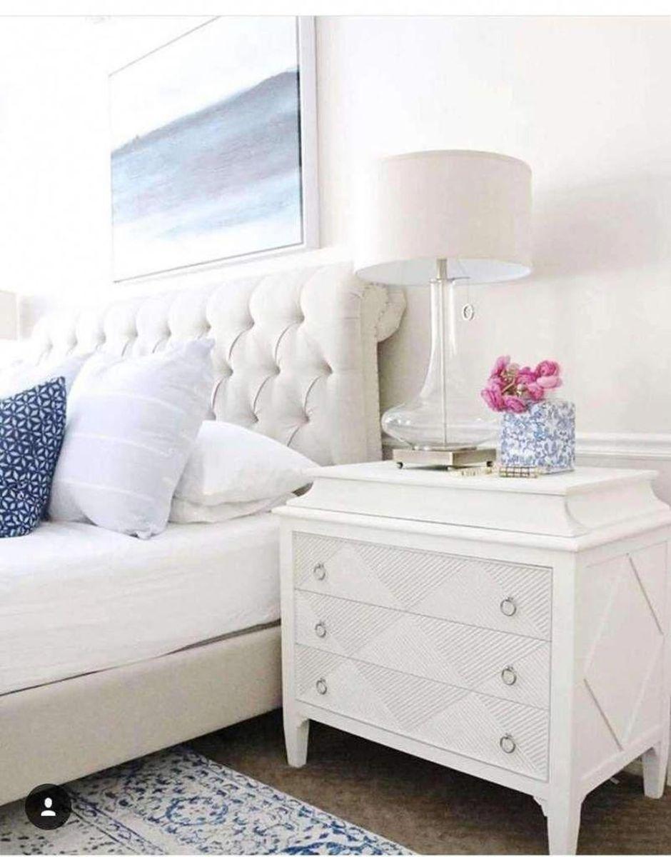 Popular White Master Bedroom Furniture Ideas 26