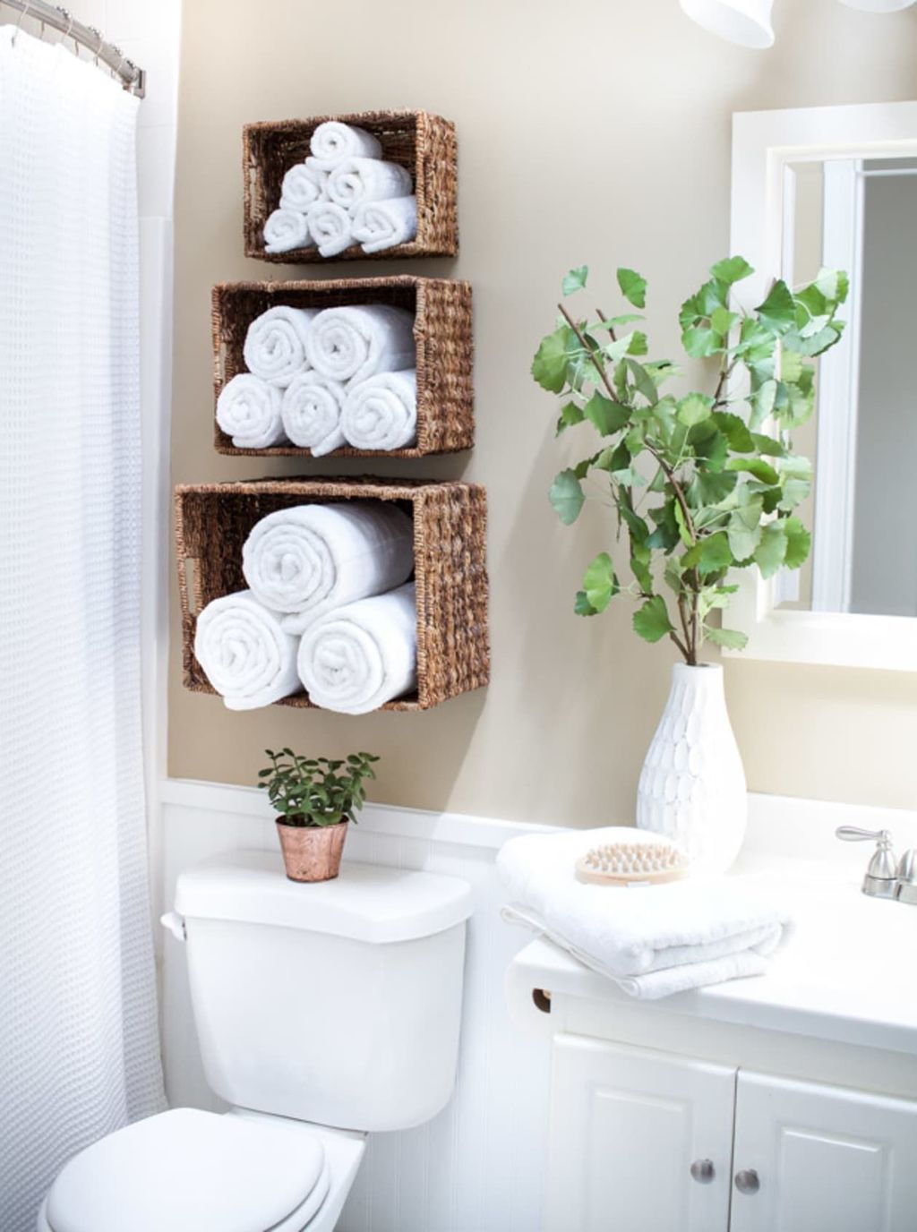 Stunning Bathroom Storage Design Ideas 25