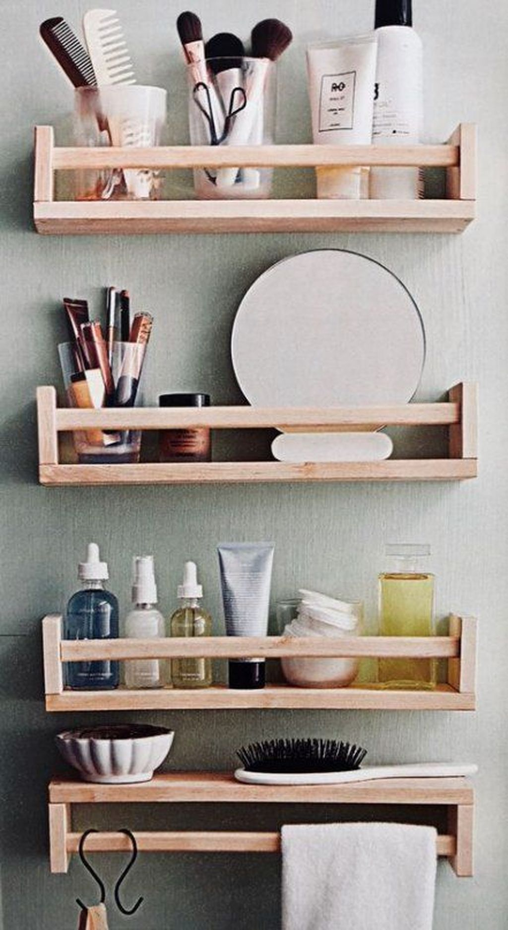 Stunning Bathroom Storage Design Ideas 27