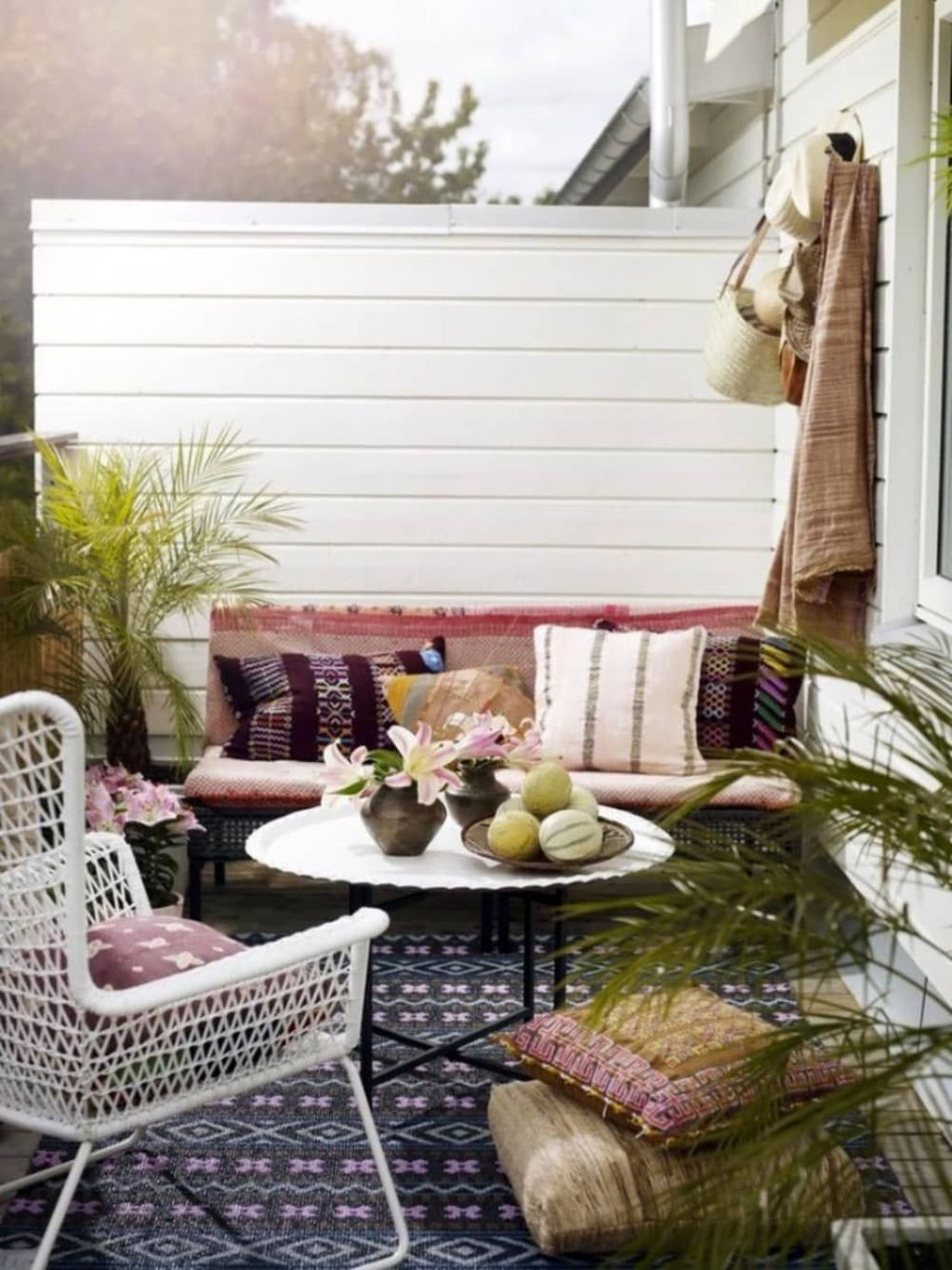 Stunning Rustic Patio Decorating Ideas 03