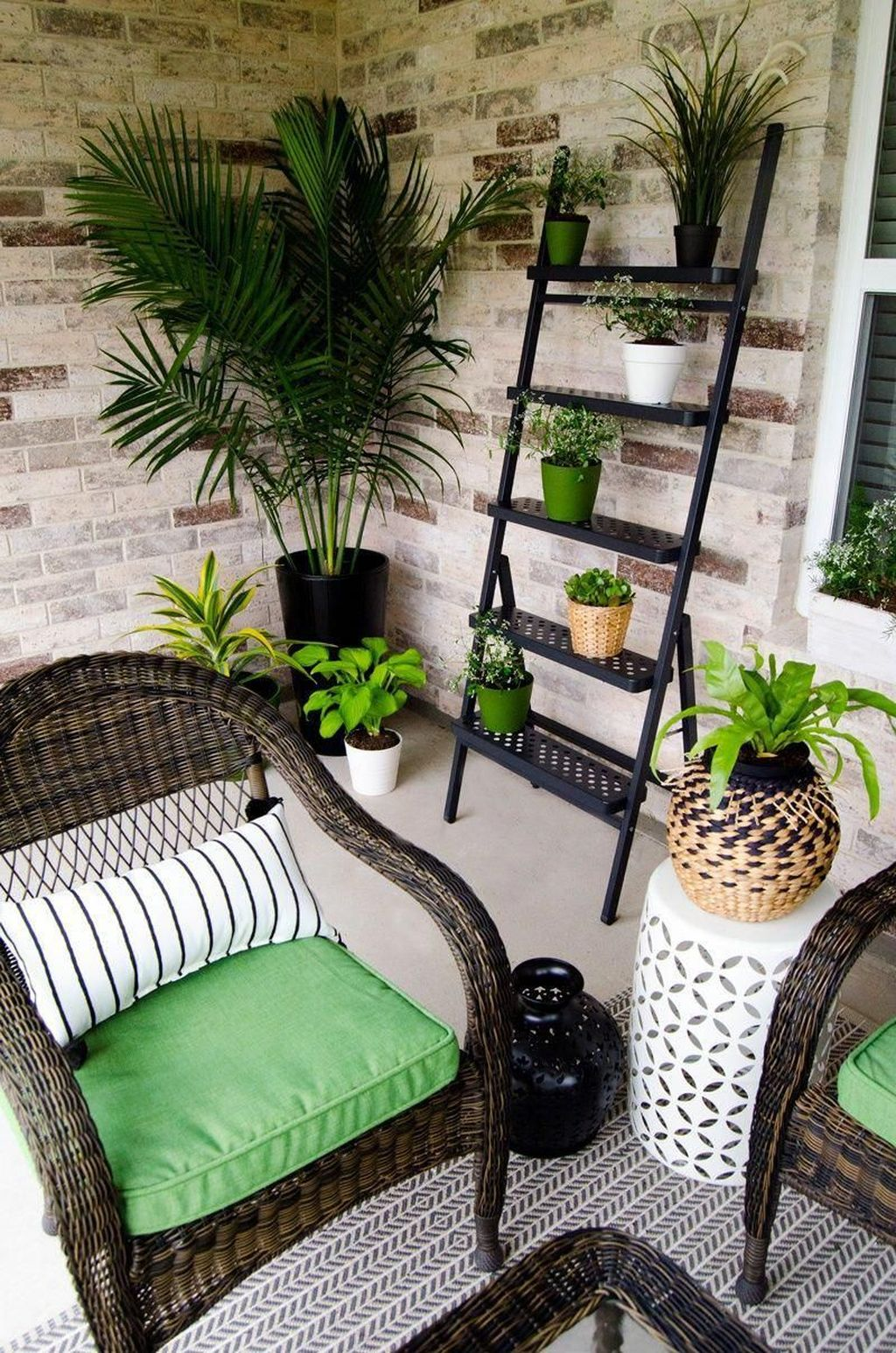 Stunning Rustic Patio Decorating Ideas 32