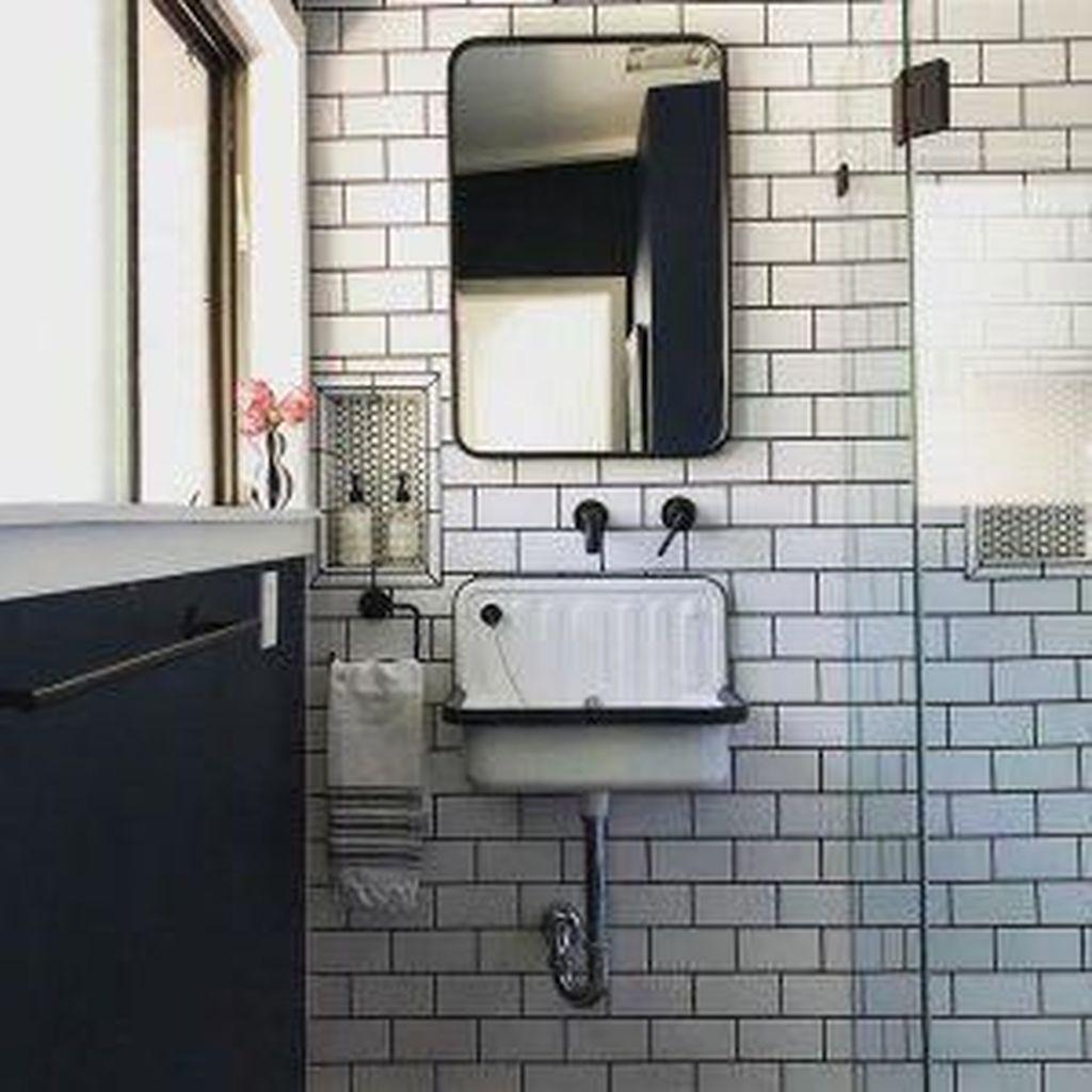 Admirable Rustic Modern Bathroom Design And Decor Ideas 08