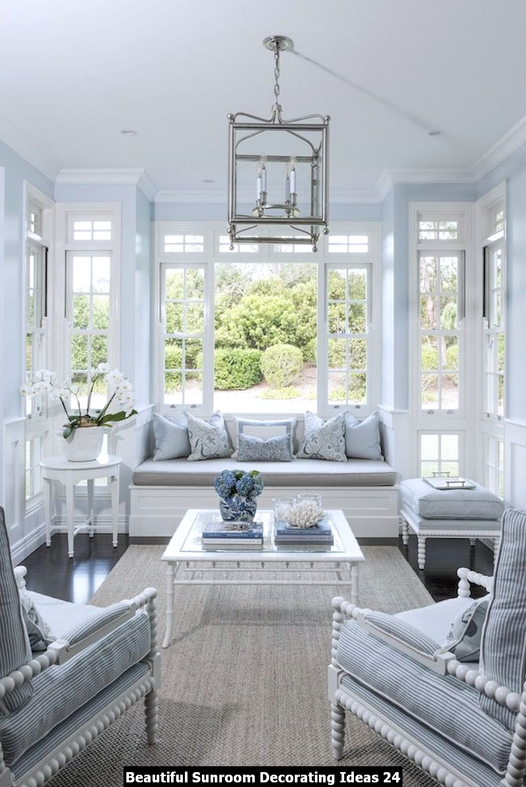 Beautiful Sunroom Decorating Ideas 24