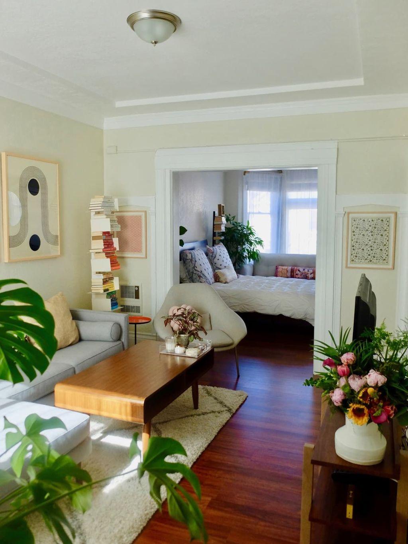 Brilliant Tiny Apartment Decorating Ideas You Should Copy 04