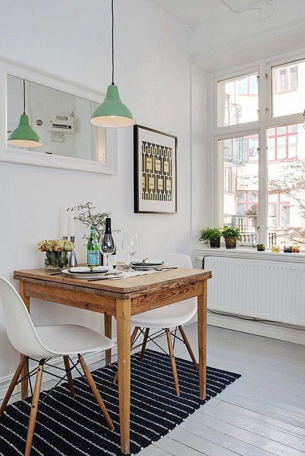 Brilliant Tiny Apartment Decorating Ideas You Should Copy 32