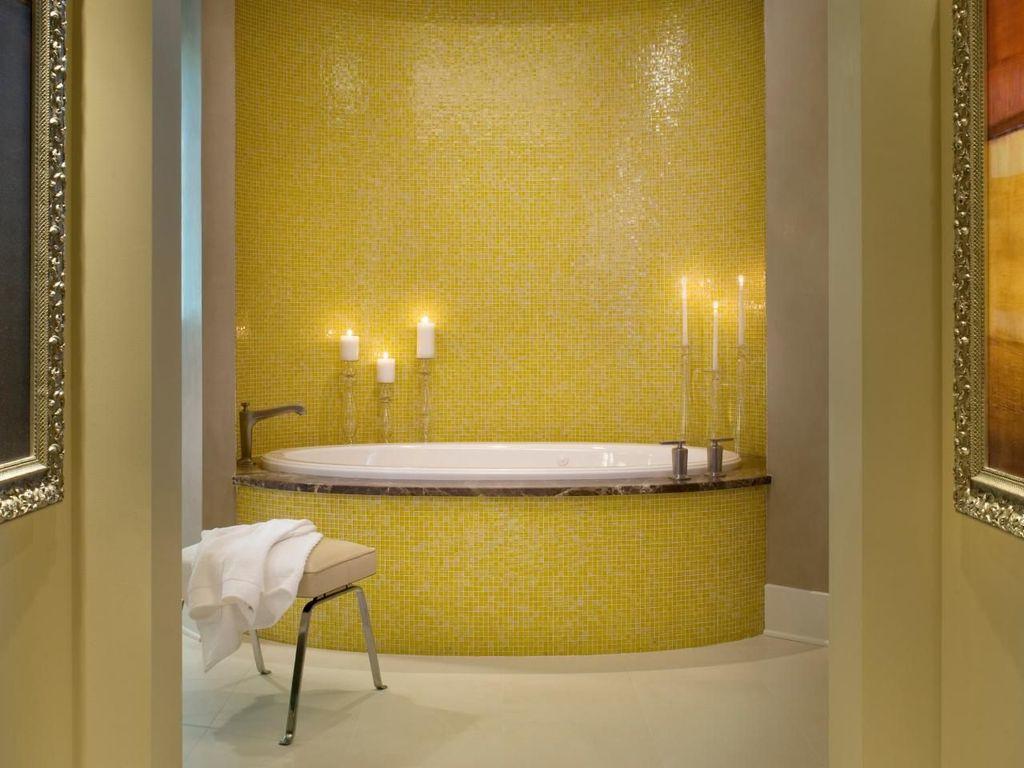 Creative Sunny Yellow Bathroom Decor For Summer 02