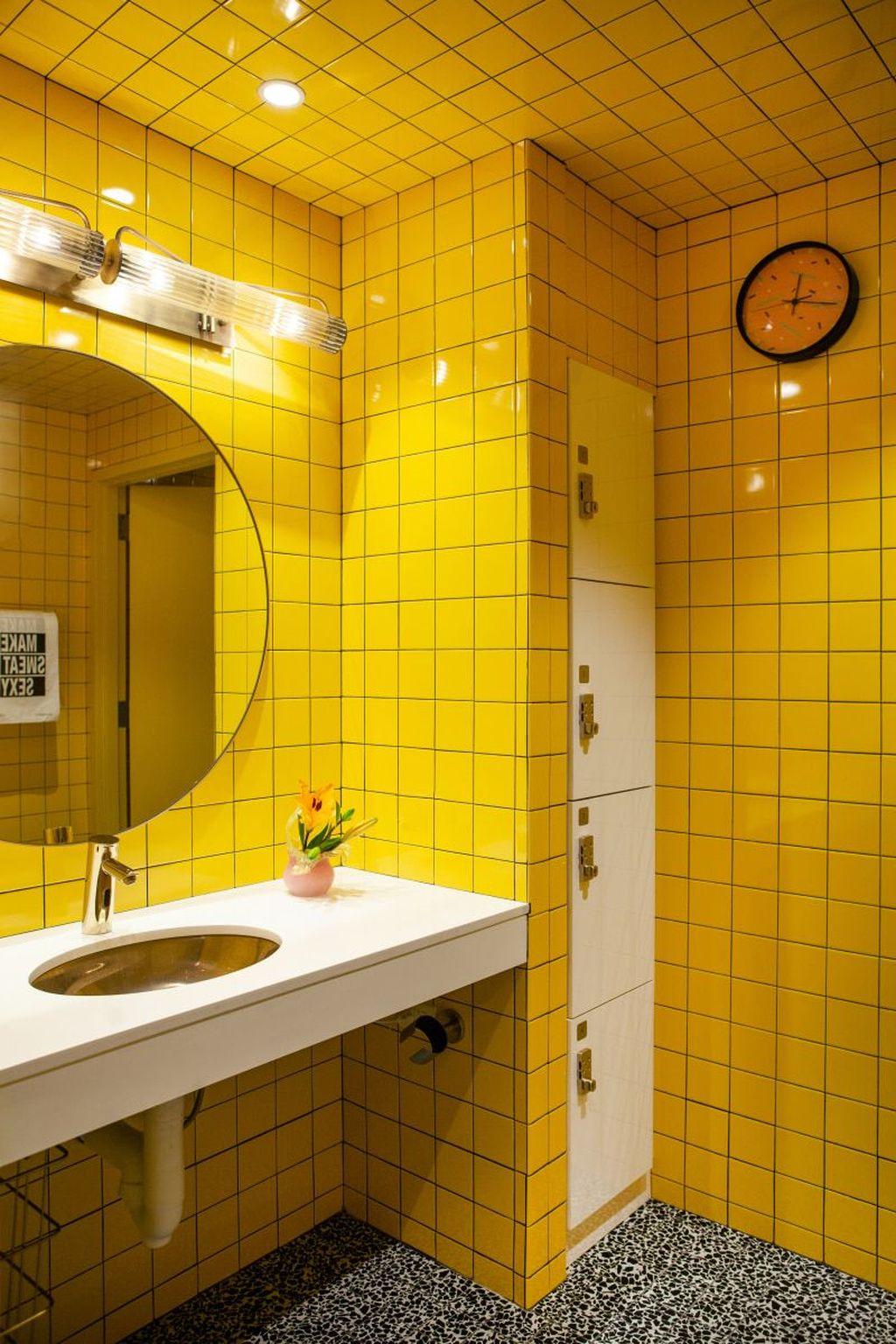 Creative Sunny Yellow Bathroom Decor For Summer 05