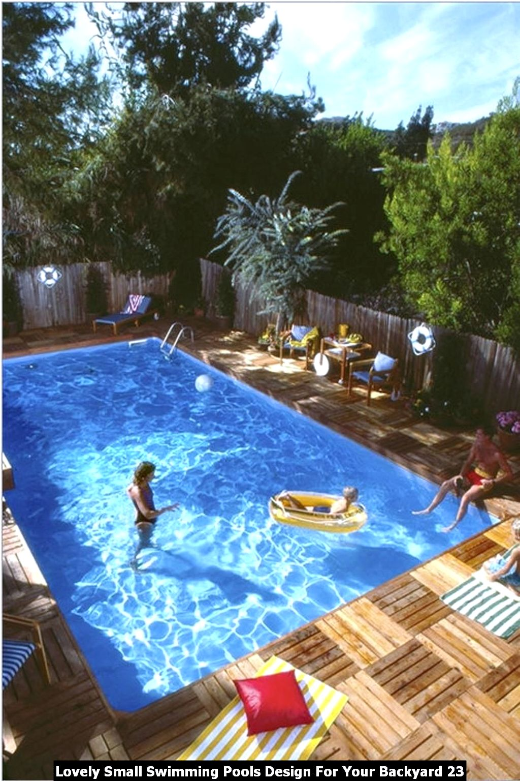 Lovely Small Swimming Pools Design For Your Backyard 23