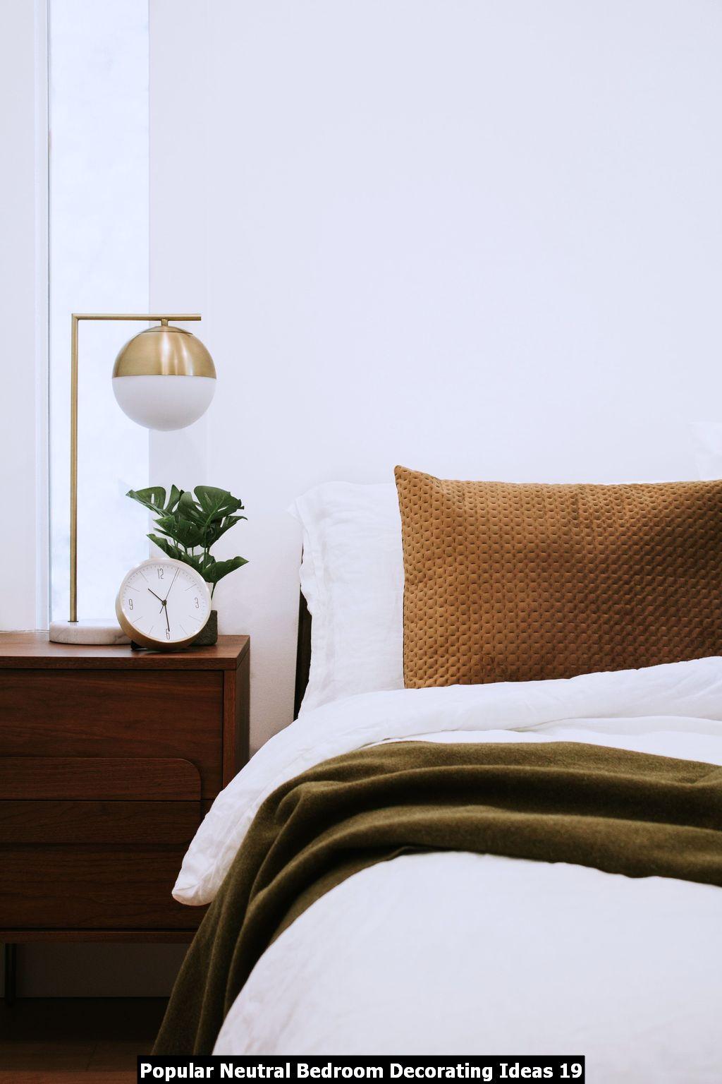 Popular Neutral Bedroom Decorating Ideas 19