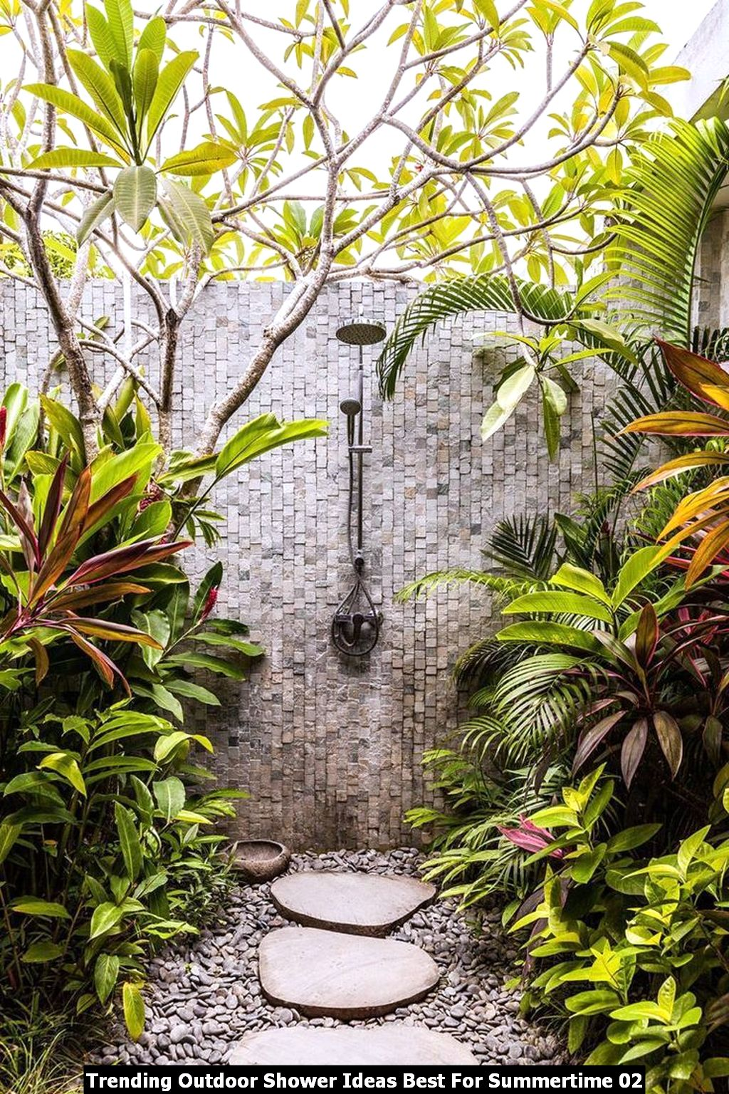 Trending Outdoor Shower Ideas Best For Summertime 02