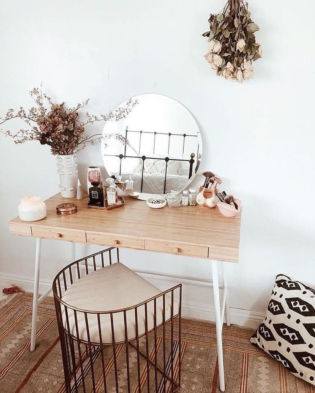 Casual Dressing Table Ideas In Your Room 20