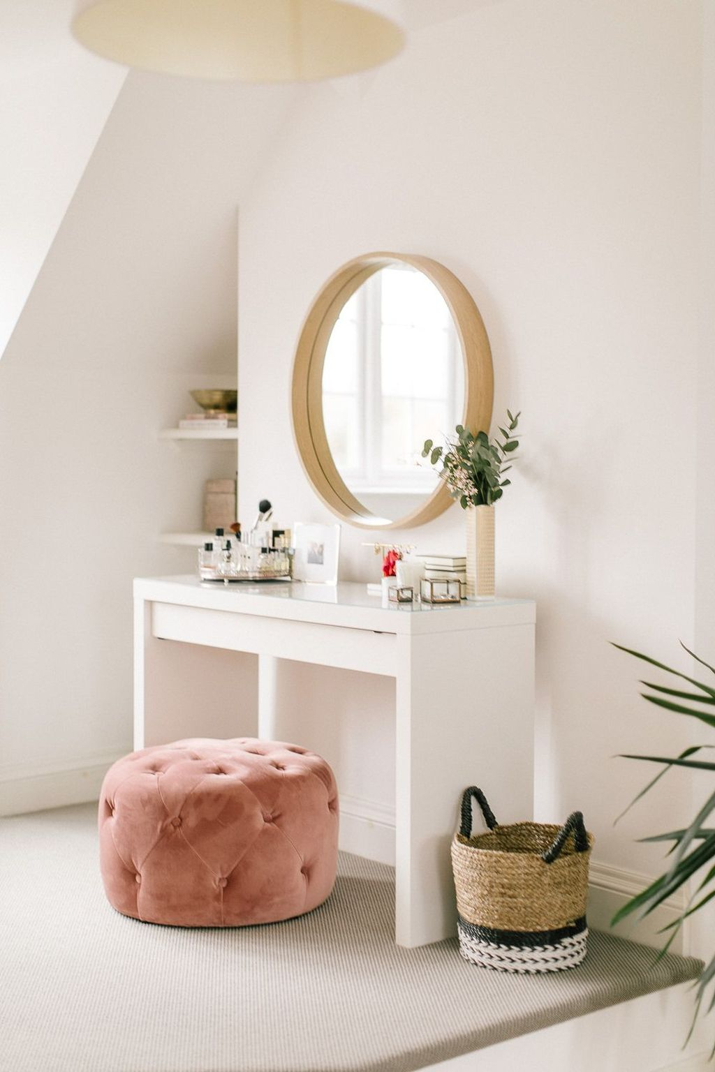 Casual Dressing Table Ideas In Your Room 38