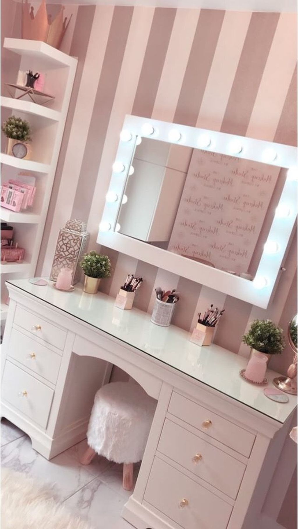 Casual Dressing Table Ideas In Your Room 48