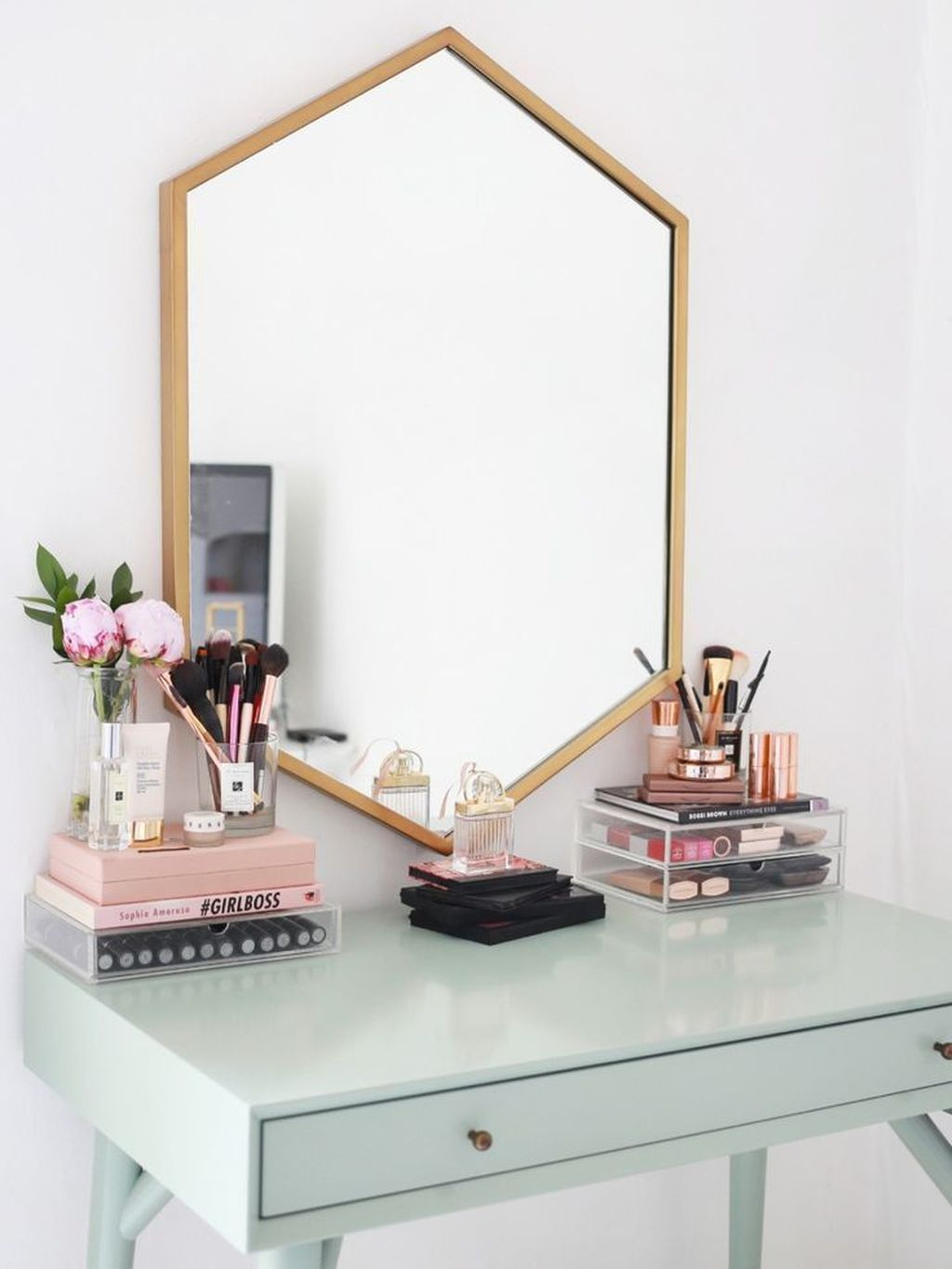 Casual Dressing Table Ideas In Your Room 52