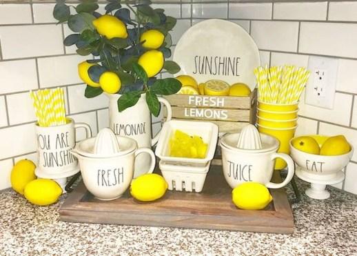 Cute Farmhouse Summer Decor Ideas For Your Inspiration 36