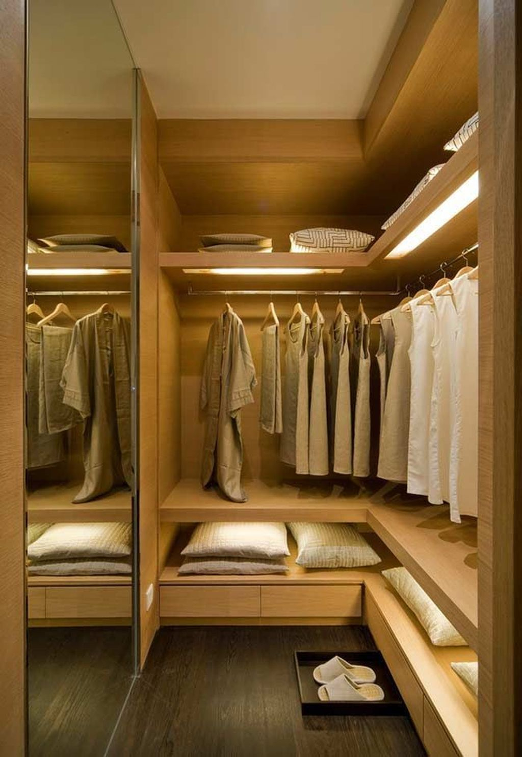 Rustic Wardrobe Design Ideas That Is In Trend 01