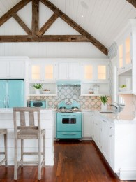 Adorable Beach Style Decorating Ideas For Your Kitchens 26