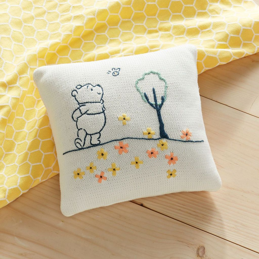 Adorable Pillows Decoration Ideas To Not Miss Today 23