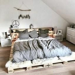 Amazing Bedroom Pallet Design Ideas 16