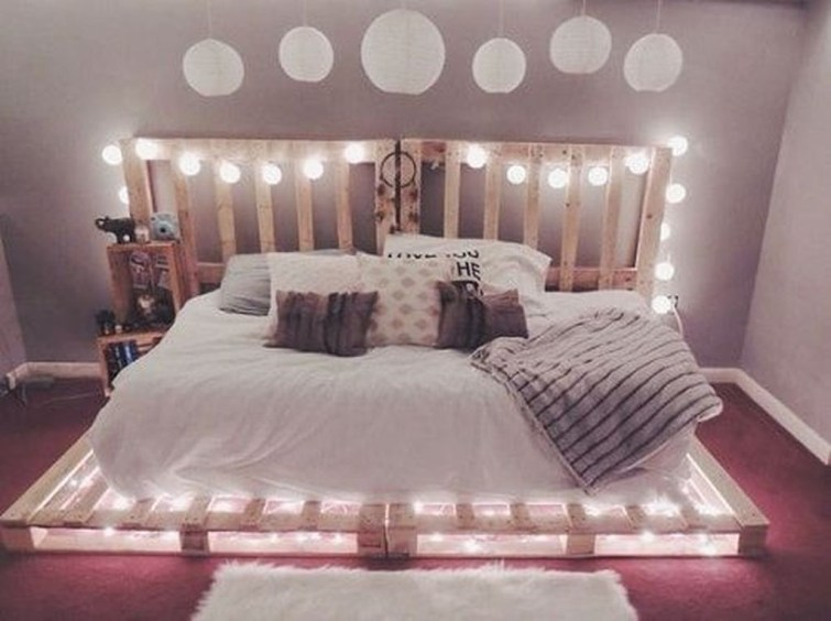 Amazing Bedroom Pallet Design Ideas 17