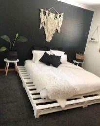 Amazing Bedroom Pallet Design Ideas 19