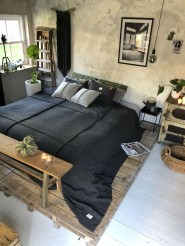 Amazing Bedroom Pallet Design Ideas 51