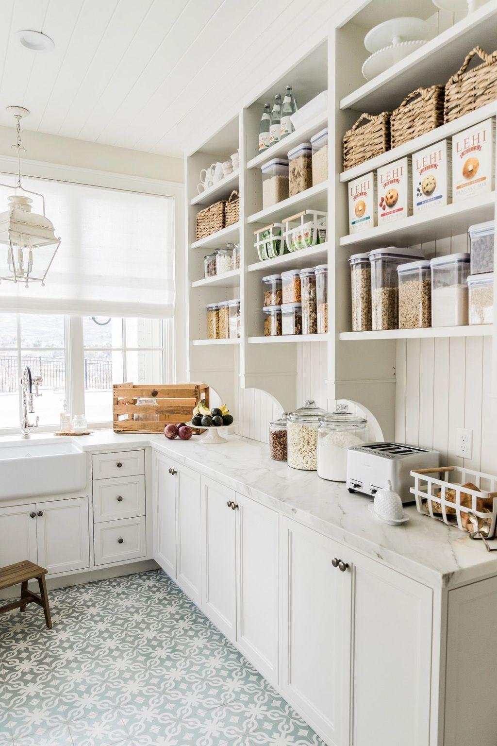 Amazing Organized Farmhouse Kitchen Decor Ideas 25